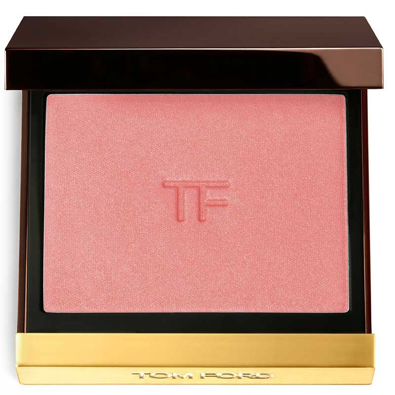 Symmetrical, sculpted cheekbones are vital to creating the perfect look. This sumptuous powder blush delivers layers of possibility, from a sexy glow to a more dramatic, color-rich look. Formulated with spherical pearls and rich emollients, it glides onto skin with the comfort of a cream, achieving outstanding luminosity and a velvety transparency. 0.28 oz. Made in Italy.